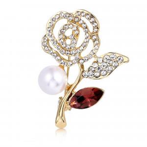 Pozlátená brošňa ruža s perlou