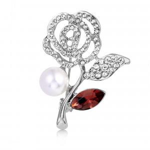 Strieborná brošňa ruža s perlou