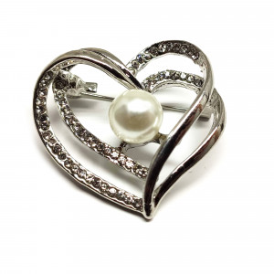 Strieborná brošňa srdiečko s perlou