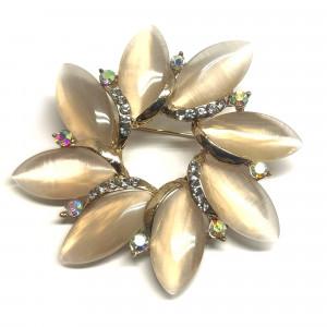Pozlátená brošňa opálový kvet